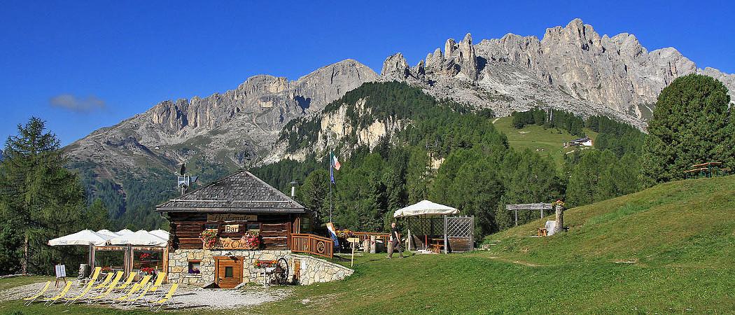 Rifugio baita checco ghetta e tamion for Rifugio in baita di montagna